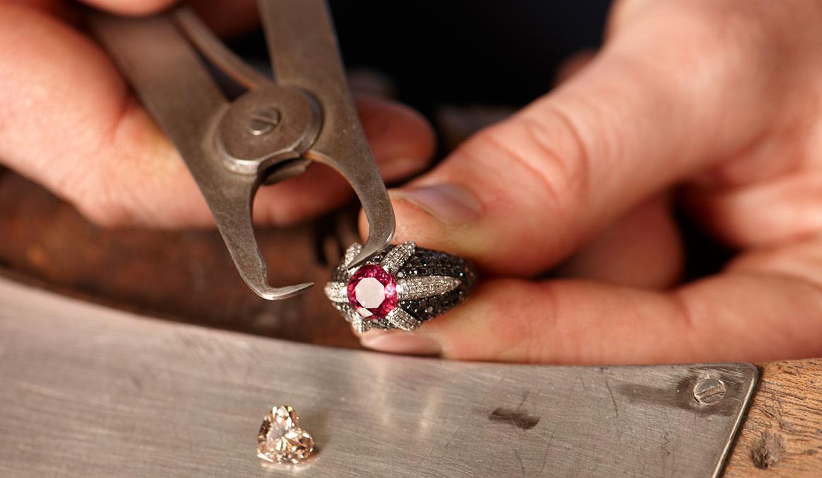 Création, transformation et réparation de bijoux