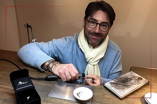 Maitre artisan bijoutier-joaillier Alain Borel